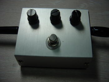 MI audio crunch box distortion コピー.jpg